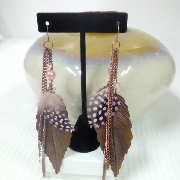 Jewelry - NWT Pink Feather Earring